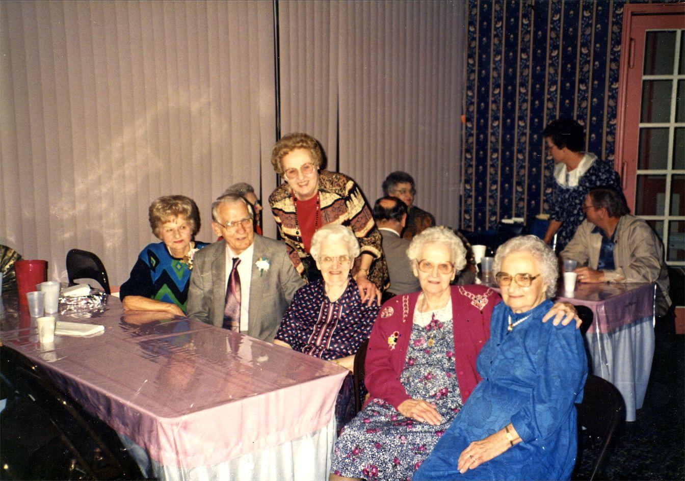 Ann, Stanley, Connie, Josie, Vicki, Helen Novaks