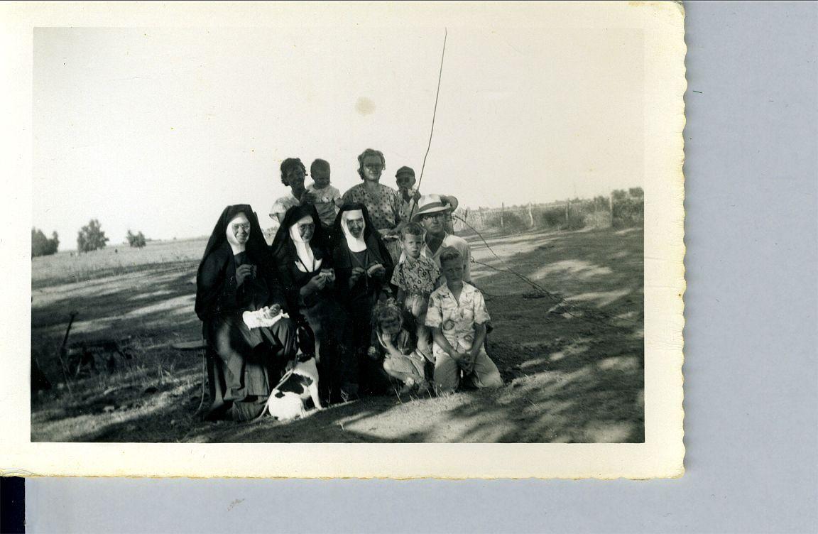 Larry, Helen, Ed Joe, Gene, Dolores Okonski Helen Bartula, Sisters & Stubby    1952  Brazos River
