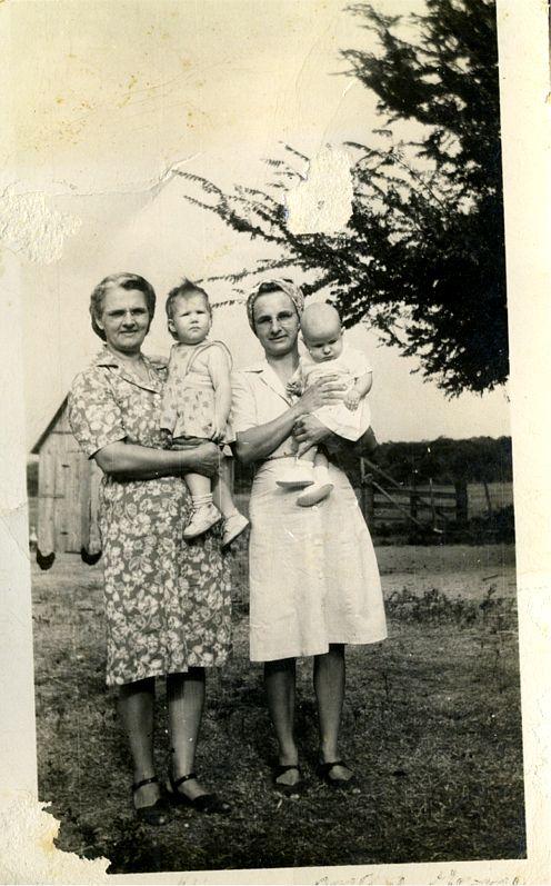 Josie Nowak Bielamowicz Helen Nowak Okonski Gene Okonski Bremond, Tx   May 1947