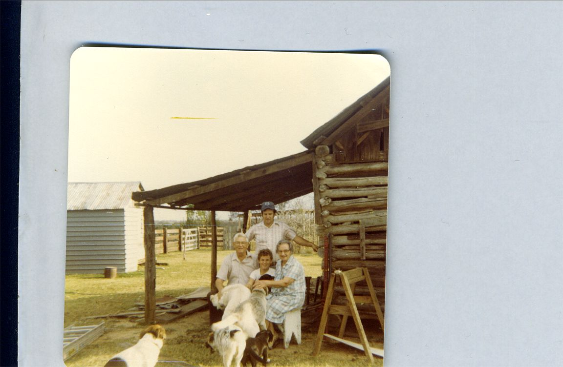 Ed, Helen, Gene, Kevin 1978 King Whitey and 3 other dogs