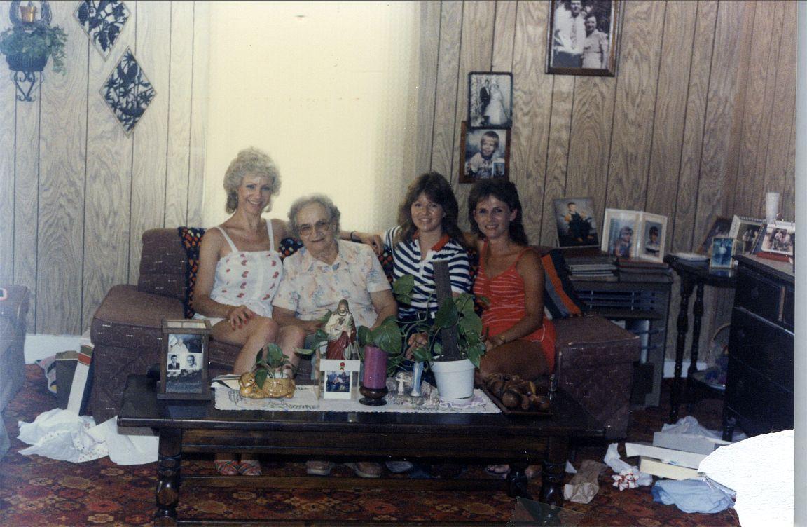 Dolores, Helen, Helen, Mary Ann